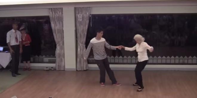 Esta bailarina de swing, sigue siendo una experta a sus 90 años