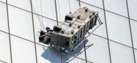 Dramático rescate de dos hombres que limpiaban vidrios a 69 pisos de altura en el One World Trade Center