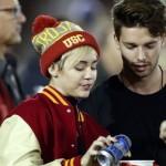 Miley Cyrus está saliendo con el hijo de Arnold Schwarzenegger