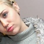 Miley Cyrus mostró los senos