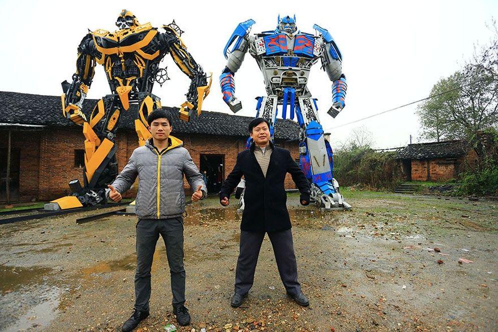 Dos ingeniosos chinos son los creadores de realistas réplicas de los Transformers
