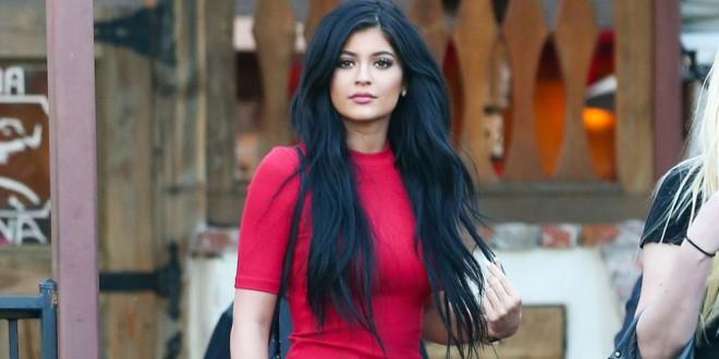 Kylie Jenner tiene problemas de autoestima por la presión de la fama