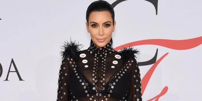 Fotos: Así respondió Kim Kardashian a los que la acusaron de fingir su embarazo