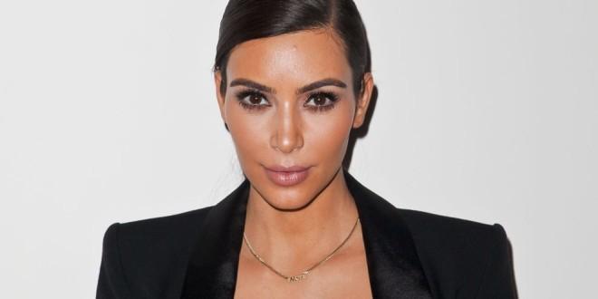 Fotos de Kim Kardashian sin maquillaje revelan cuál es el punto débil de su rostro