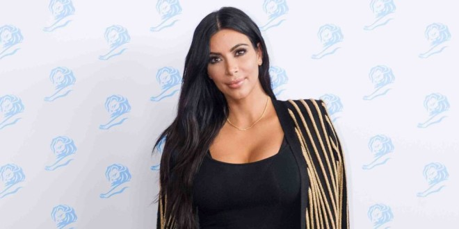 Kim Kardashian confiesa el hábito desagradable en el que cae cuando viaja