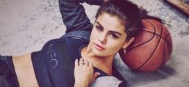Selena Gómez con un sensual vestido y sin ropa interior, impactó con sus curvas