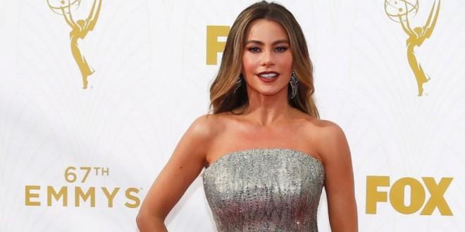 ¿Quién necesita nominación? Sofía Vergara brilló con su vestido en la entrega de los Emmy