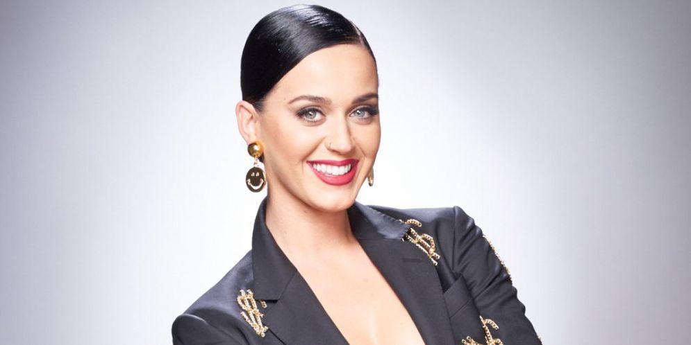 Katy Perry impactó en el Paseo de la fama de Hollywood