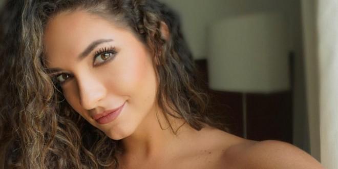 Sensual baile de Kimberly Reyes y su misteriosa acompañante fascina a las redes sociales