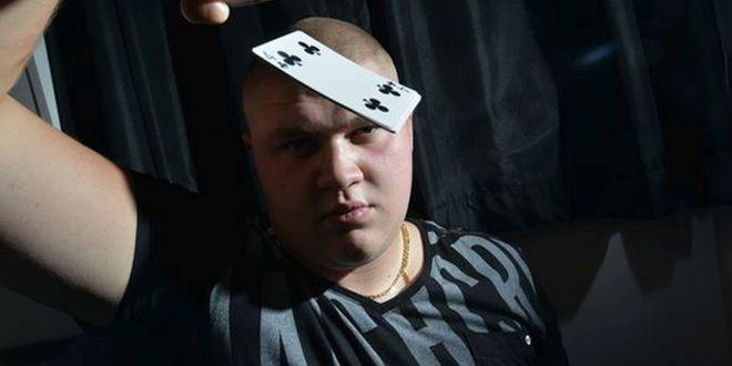 Video: Los fabulosos trucos de este mago son lo que menos te sorprenderá de él. No lo podrás creer