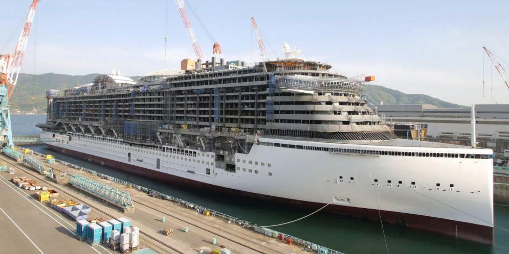 construcción de un barco crucero