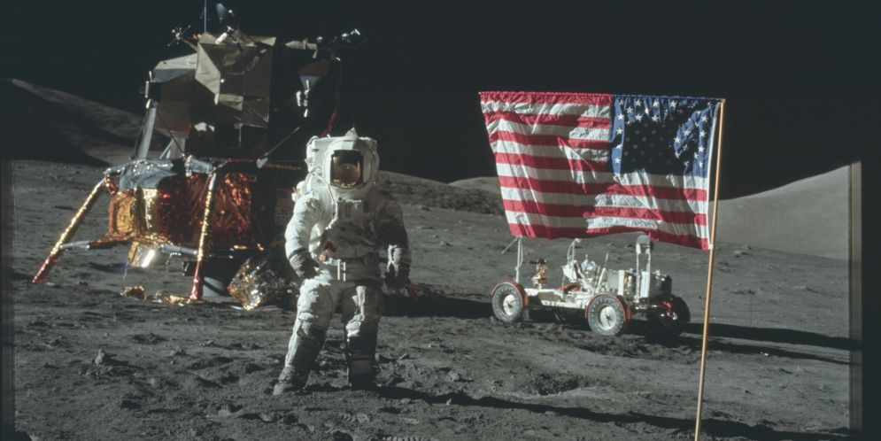 ¿Fue la llegada del hombre a la Luna una realidad? Más de 8000 fotos publicadas por la NASA lo demostrarían
