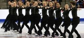 Increíble demostración sincronizada de patinaje artístico sobre el hielo
