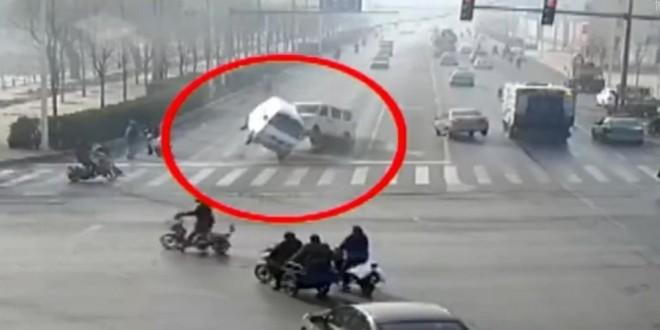 Video: resuelto el misterio de los carros que levitaron en China