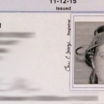 foto de la licencia de conducción con un escurridor de pasta