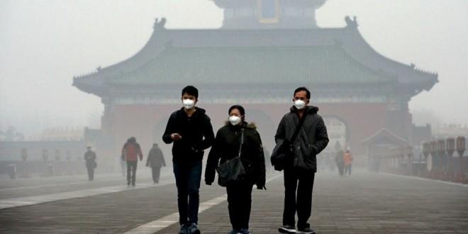 El aire de Pekín está tan contaminado que una empresa canadiense triunfa vendiendo aire embotellado