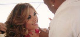 Así se ve Sara Uribe en el video de Mr. Black