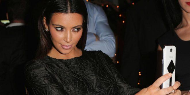 El sexy corsé de Kim Kardashian calentó las calles de Miami