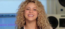 [Foto] El pelo de Shakira causa enfrentamiento de sus fans
