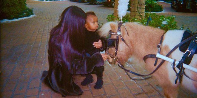 Así fueron los primeros pasos de Saint West, el hijo menor de Kim Kardashian
