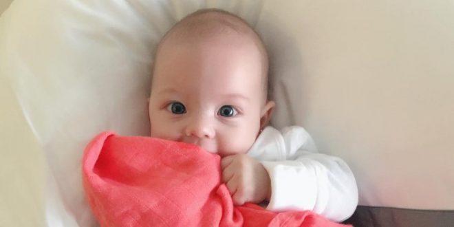 ¡Tiernísima! Video de la hija de Laura Acuña emocionada al ver a su mamá en TV